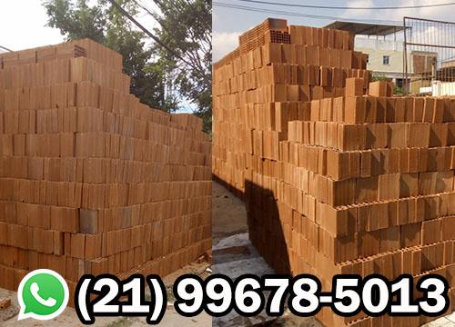 entrega de tijolos